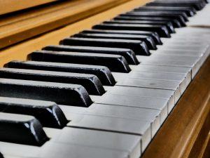 lekcje pianina wpływają na rozwój dziecka